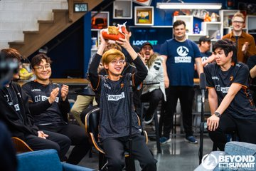 Fnatic raised the trophy after a thrilling week of games at DOTA Summit 12